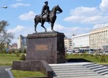 Памятник маршалу Рокоссовскому в Волгограде