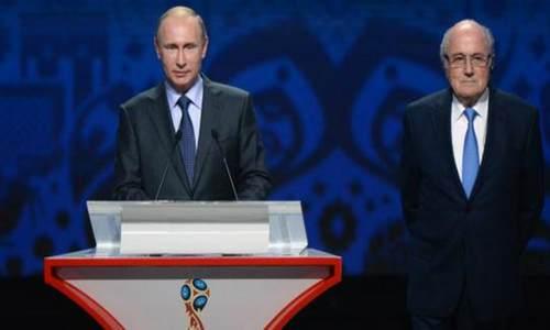 Президент России Владимир Путин и президент ФИФА Йозеф Блаттер открыли жеребьевку ЧМ 2018 по футболу