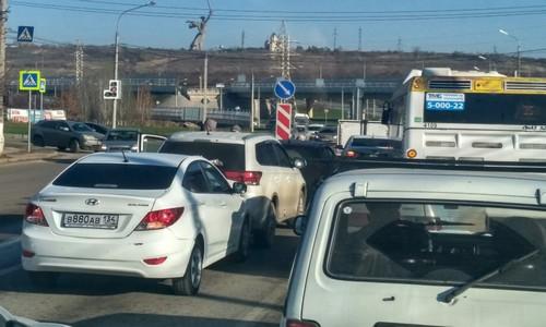 Ряд улиц в Волгограде будет перекрыт для движения транспорта 12 июня в связи с празднованием Дня России