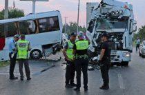 Автобус с российскими туристами попал в ДТП в Турции, пострадало 11 человек