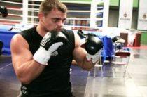 Известный российский боксер Денис Бойцов найден в тоннеле метро с тяжелыми травмами