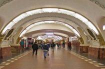 Пассажиров на станции метро «Пражская» эвакуировали через кабину машиниста