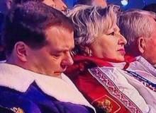 Дмитрий Медведев заснул на церемонии открытия Олимпийских игр в Сочи