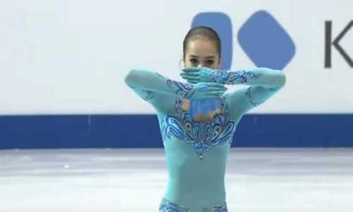Россиянка Алина Загитова выиграла короткую программу у юниорок на ЮЧМ 2017 по фигурному катанию в Тайбэе