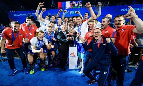 Волейболисты сбоорной России-победители Лиги наций 2019