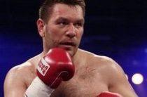 Руслан Чагаев нокаутировал Франческо Пьянету в первом раунде боя и защитил свой титул