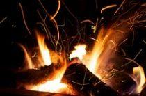 Очередная иномарка сгорела в Волгограде, на этот раз это «Деу Нексия» 2011 года выпуска