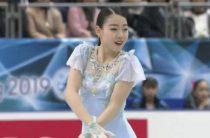 Японская фигуристка Рика Кихира выиграла короткую программу у женщин на командном чемпионате мира 2019, Туктамышева вторая